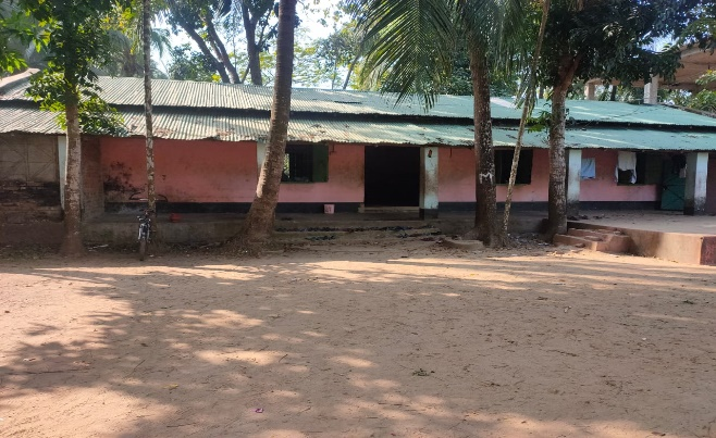 Existing location of school cum disaster shelter building in Dargah Palong